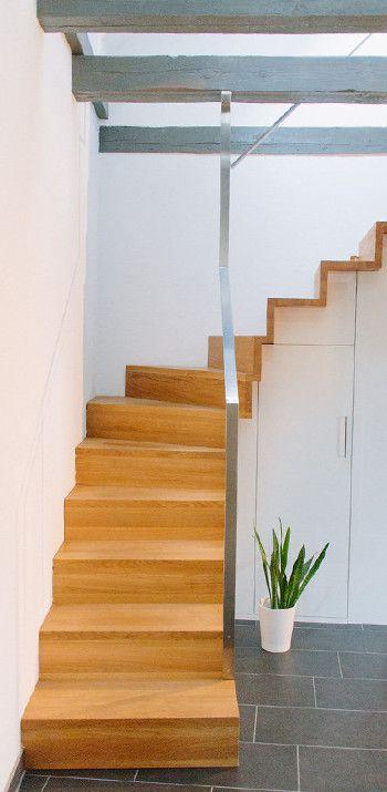 Schreinerei Mairhofer Treppe In Eiche Mit Einbauschrank In Weiss